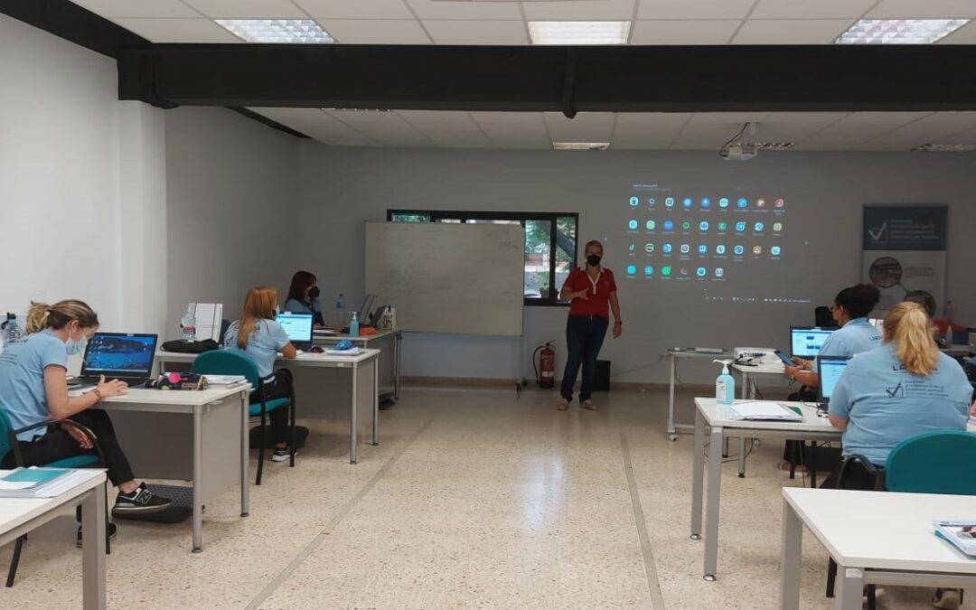 """L'Ajuntament de Gandia continua apostant per la formació amb el Projecte ET FORMEM """"Sistema d'informació i bases de dades per al desenvolupament econòmic"""" a la seua fase 2."""